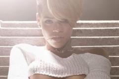 underboob-22-Rihanna